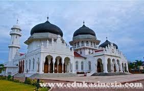 8 Peninggalan Sejarah Bercorak Islam di Berbagai Wilayah di Indonesia