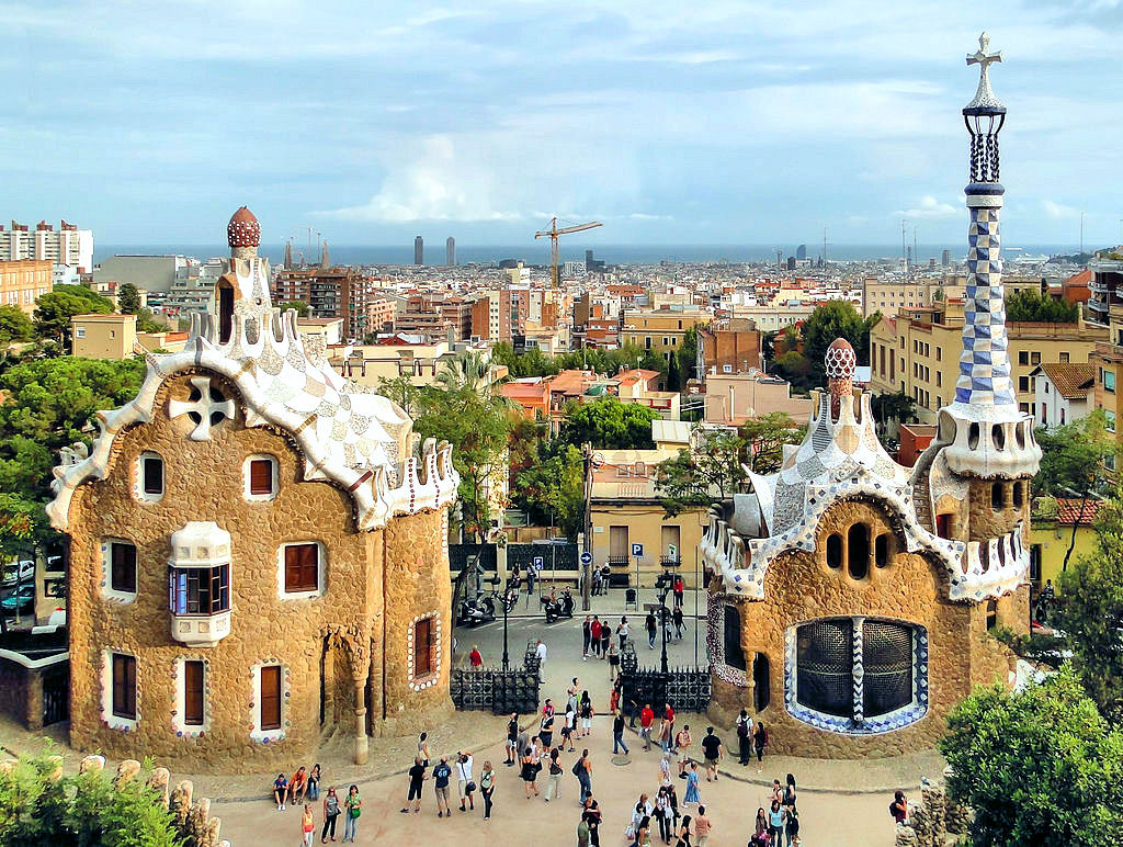 Gaudí and Güell's fanciful 'Park Güell.' Photo: Bernard Gagnon, WikiMedia.org.