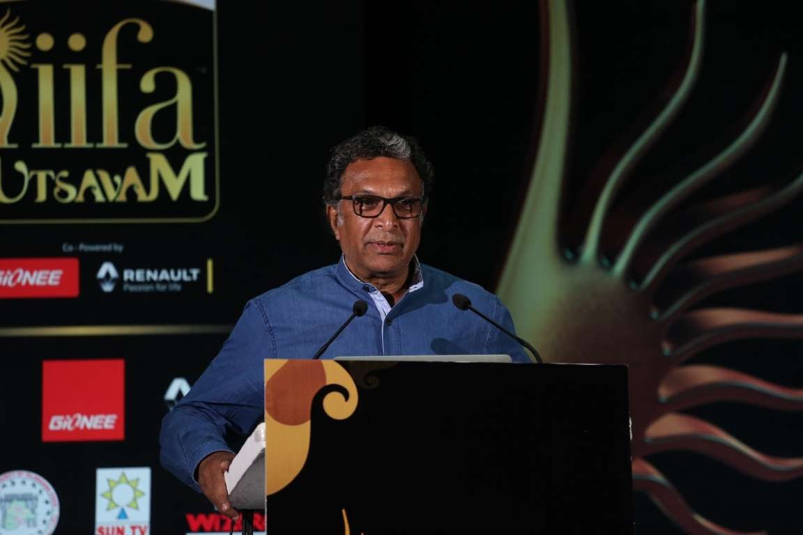 On behalf of the entire Tamil film industry I thank IIFA Utsavam for showing their solidarity and postponing the event We were touched Nasser told reporters
