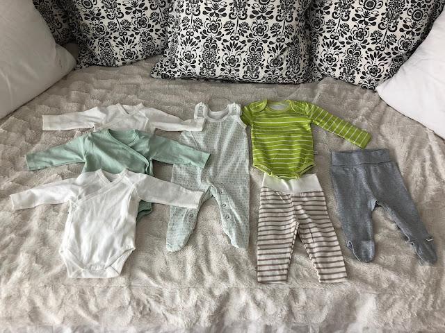 Äitiyspakkaus 2019 50/56 cm vaatteet