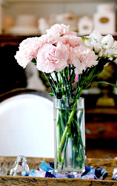 carnations, homegrown, cottage, garden, easy, flowers, athomewithjemma.com