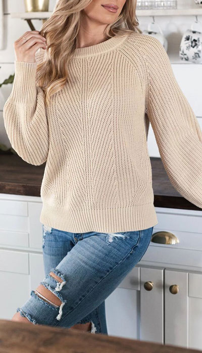 Looking for casual winter outfits? Consider these 23 Fabulous Winter Outfits To Get You Through The Season with Style. Fashion for Women via higiggle.com #winter #fashion #knit