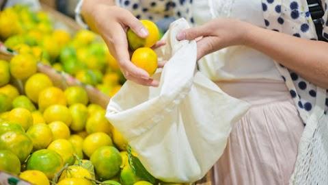 A Spar környezetbarát zöldség-gyümölcs tasakokat vezet be