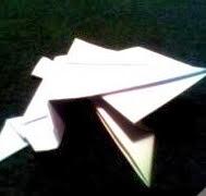 http://artes.uncomo.com/articulo/como-hacer-una-rana-de-papel-605.html