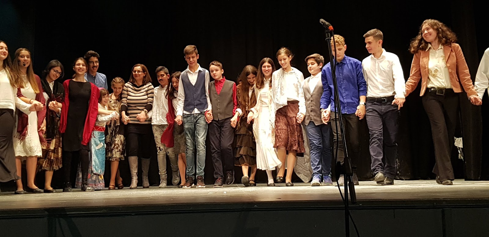 Γέμισε το Δημοτικό Θέατρο θεατρική παράσταση  του 2 ο  Γυμνάσιο Πυλαίας «Έδωσα υπόσχεση»