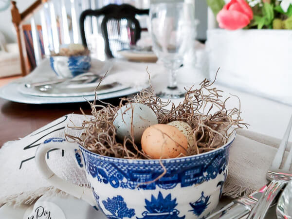 Easy and Thrifty Decorating Ideas for a Spring Table