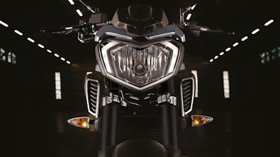 2016 Yamaha MT 125 ABS front headlight