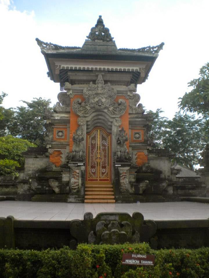 Rumah Adat Bali Gapura Candi Bentar : rumah, gapura, candi, bentar, Informasi, Belajar, Interaktif:, Rumah, Provinsi, Gapura, Candi, Bentar