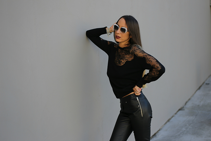 outfit pantaloni di pelle