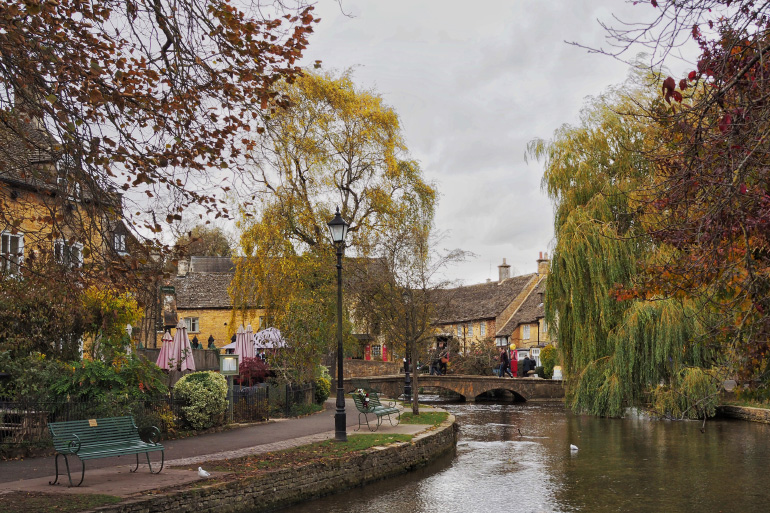 Bourton-on-the-water dans les Cotswolds en Angleterre