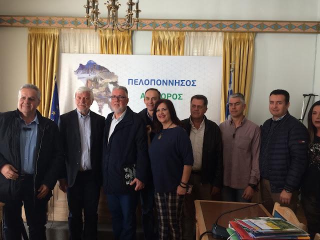 Επαγγελματίες σχολών οδήγησης συναντήθηκαν με τον Περιφερειάρχη Πελοποννήσου