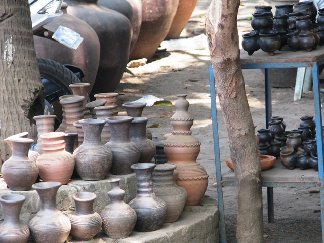 Burnay Jars or the Burnay Pottery, vigan ilocos sur, things to do in vigan, vigan attractions, vigan tourist destinations