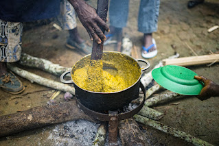 Cooking Gnetum in Cameroon