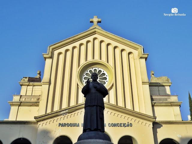 Fotocomposição com a fachada da Paróquia Imaculada Conceição - Ipiranga - São Paulo