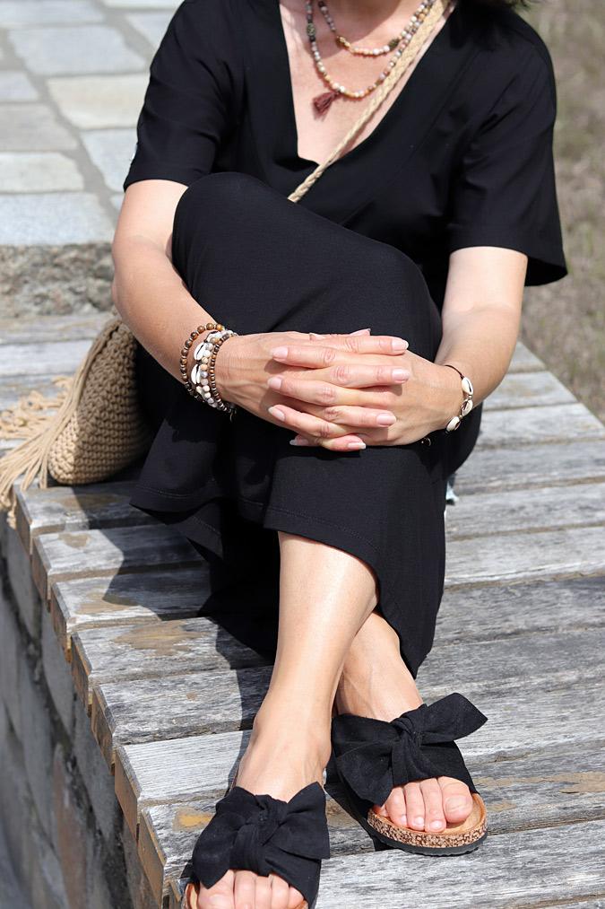czarna sukienka na lato stylizacje