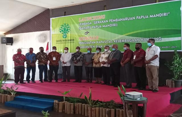 Aryoko Rumaropen Apresiasi Lembaga Gaharu Papua Mandiri dalam Pengembangan SDM Kampung.lelemuku.com.jpg