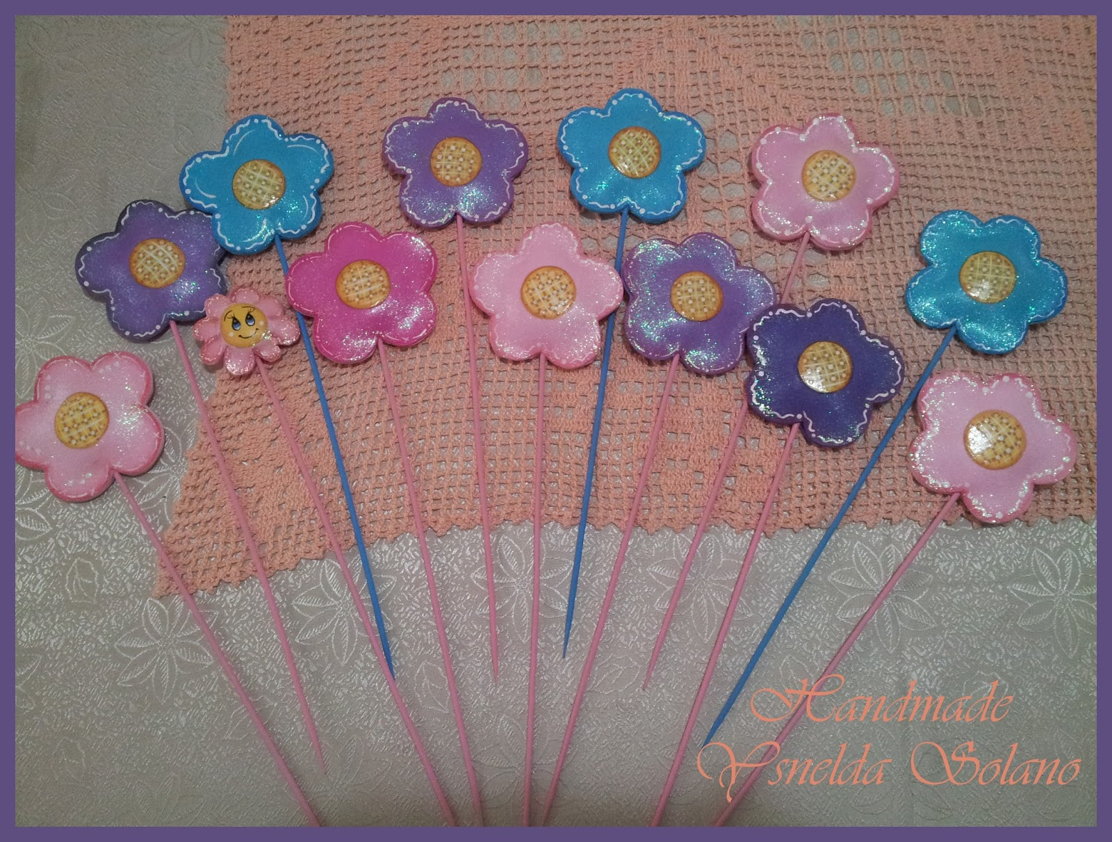 Ysnelda solano manualidades y un poco mas flores de - Pinturas para goma eva ...