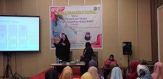 Ketua Umum IBI Provinsì Jambi Secara Resmi Membuka Seminar Persalinan Maryam.