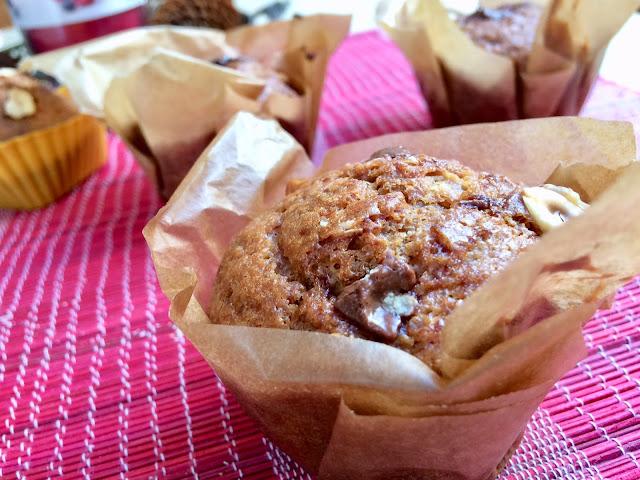 Puszyste muffinki bananowe z czekoladą
