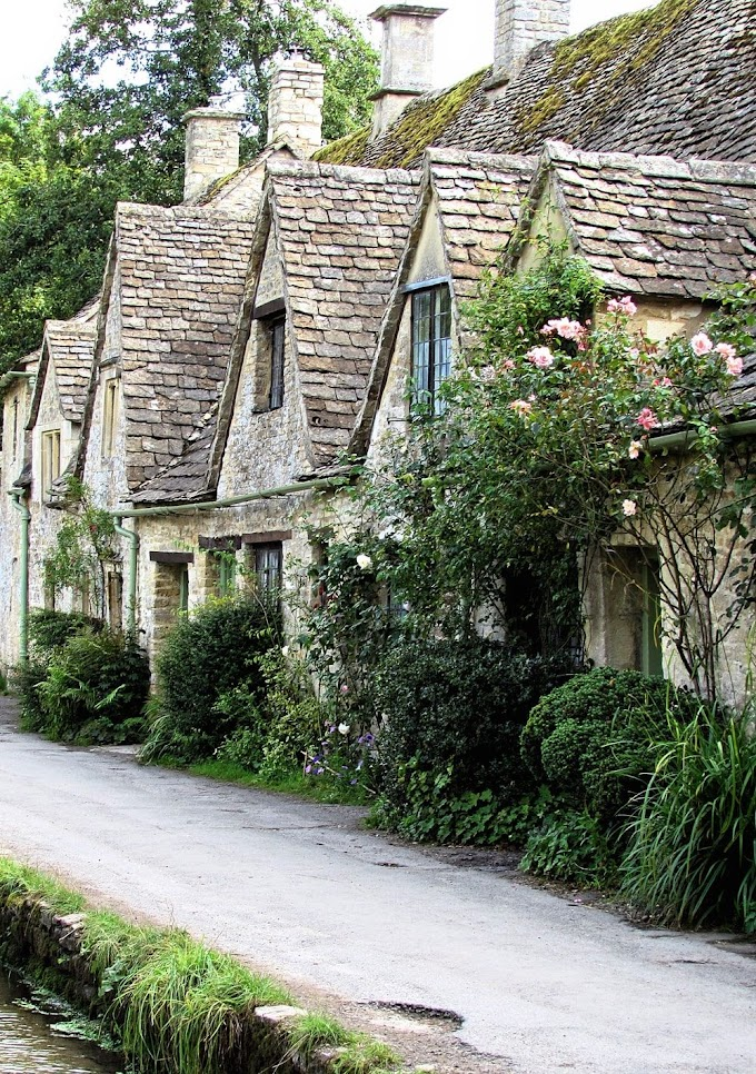 Cotswold Heart Of Nature