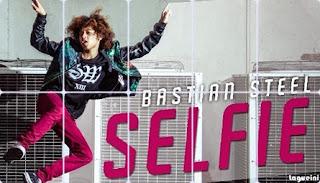 Selfie - Bastian Steel