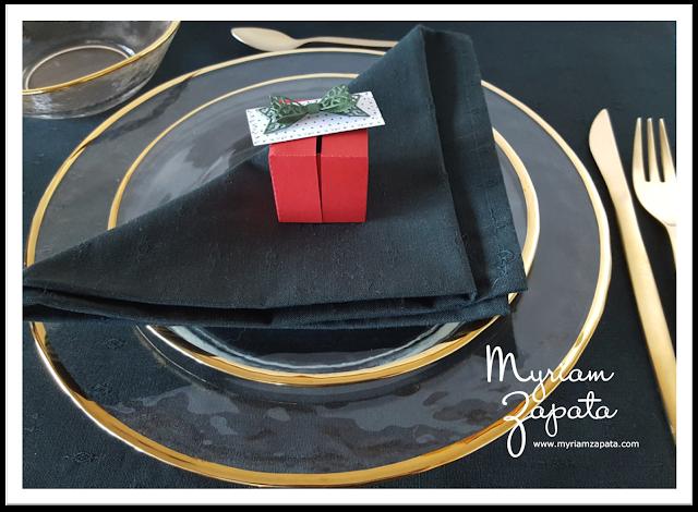 caja sorpresa sobre plato