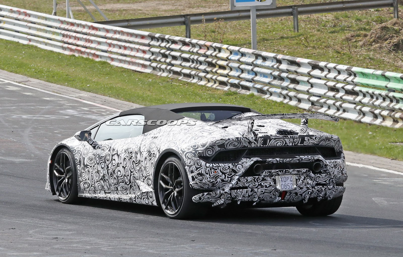 open top lamborghini huracan performante spied screaming around the ring carscoops. Black Bedroom Furniture Sets. Home Design Ideas
