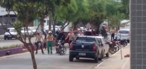 Assaltantes rendem clientes e roubam agencia bancária no Paraná