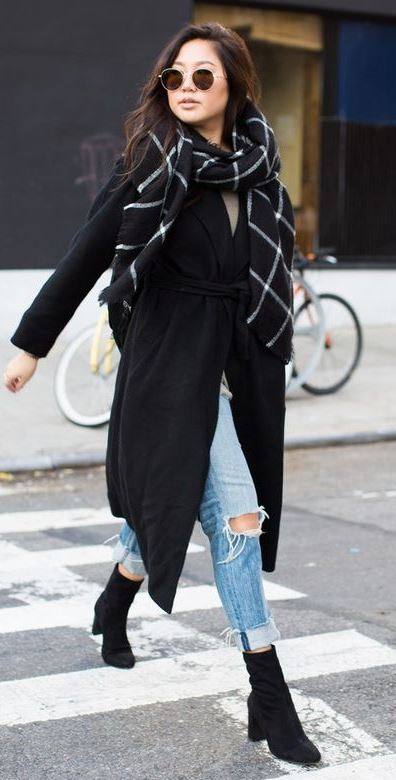 faswhionable outfit _ black coat + plaid scarf + boota + ripped jeans