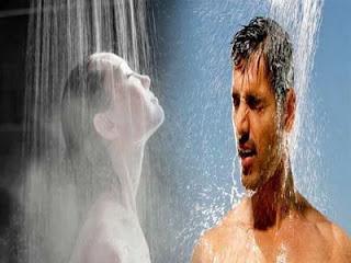 الاستحمام بالماء الساخن أو بالماء البارد