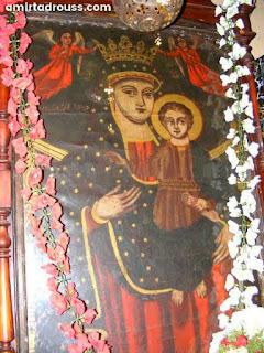 ايقونة السيدة العذراء الاثرية تحمل الطفل يسوع