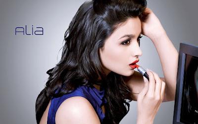Alia Bhatt Beautiful Looking HD  Wallpaper