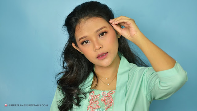 review Make Over Multi Fix Matte Blusher - 05 Heatshot | beauty blogger indonesia | ririeprams