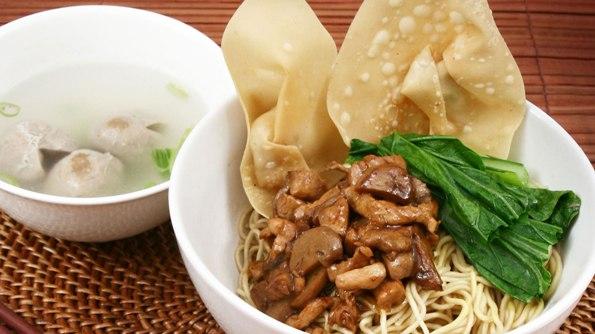 Resep Cara Membuat Mie Pangsit Spesial untuk 3 Porsi