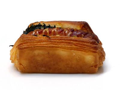 ウィンナーとしそのデニッシュ(Danish à la saucisse et shiso) | GONTRAN CHERRIER(ゴントラン シェリエ)