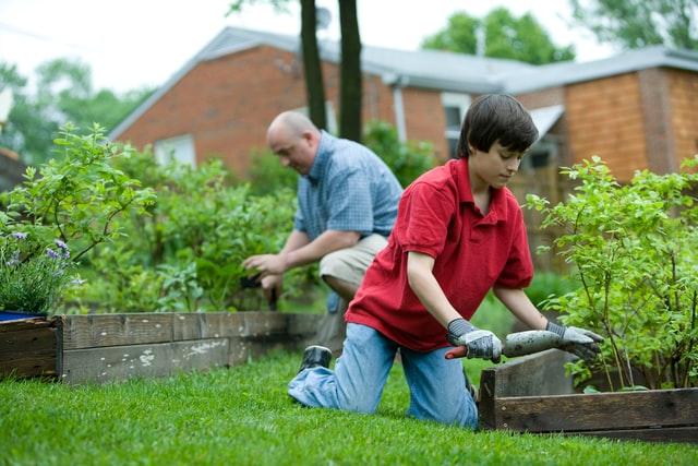 DIY Garden, planters, summer planting, gardening, upcycled planters, family gardening