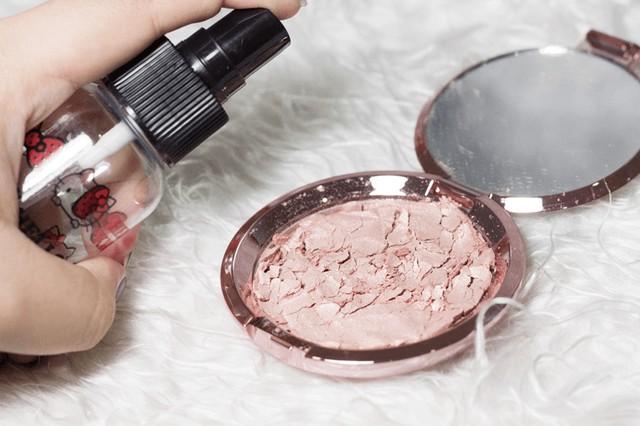 Tips Memperbaiki Produk Make Up yang Rusak