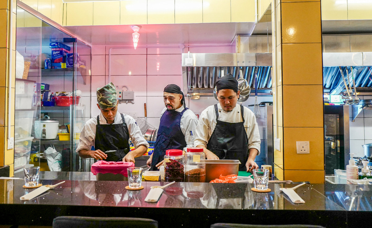 Zoe Bangsar: Eating or Dining? Independent restaurants walk lethal tightrope