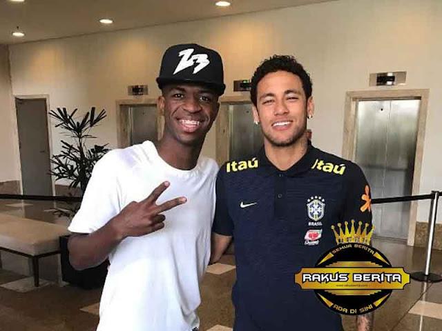 Vinicius : Saya Hanya Mengagumi Neymar, Bukan The Next Neymar !