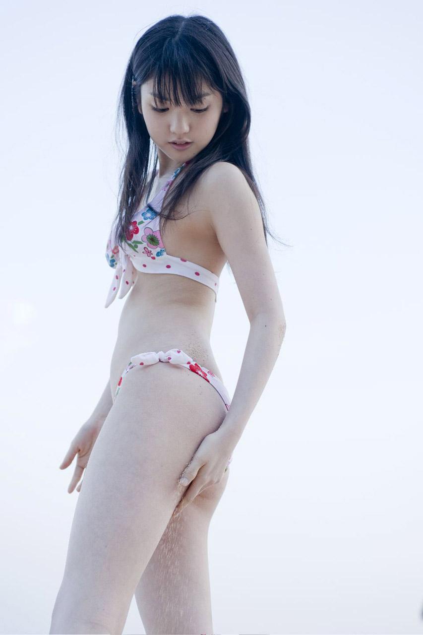 sayumi michishige sexy bikini pics 05