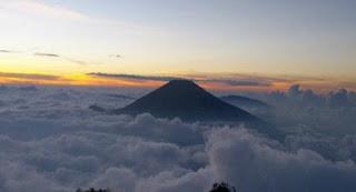 Jalur Pendakian Gunung Cikuray Via Cilawu