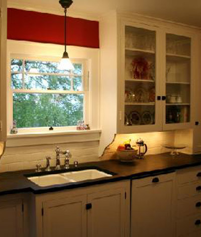 kitchen cabinets around windows city bungalow 1913 kitchen inspiration 20049