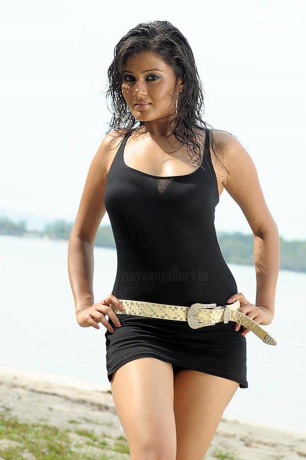 Nangi Bollywood Hot And Beautiful Photos Gallery - Bolly Actress Pictures-3616