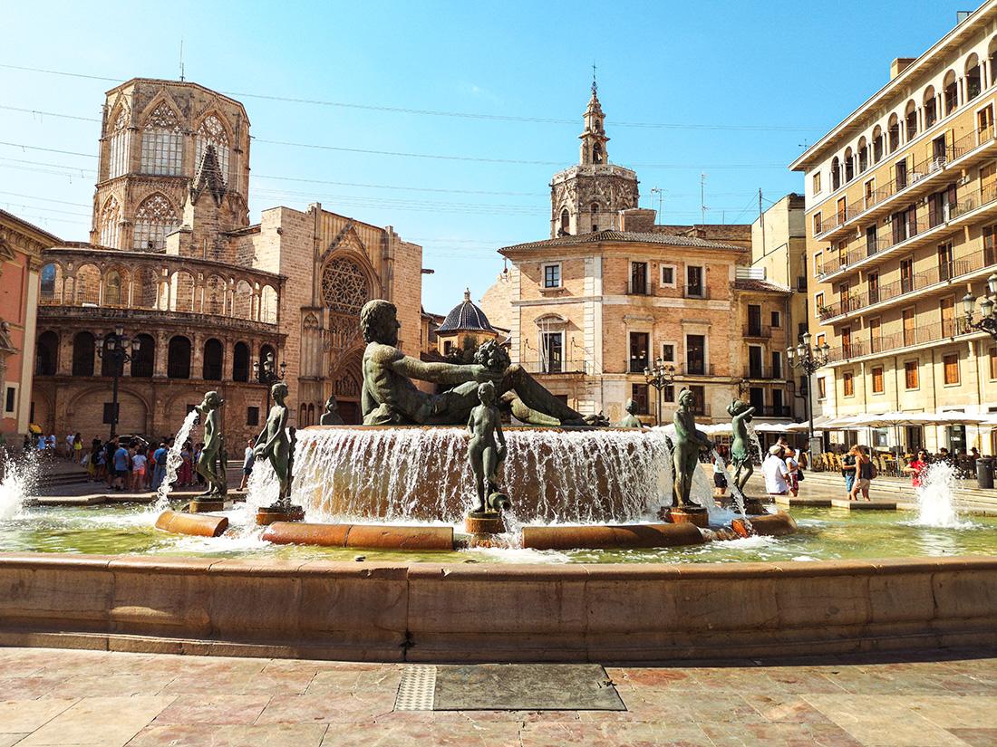https://www.zplanembezplanu.pl/2019/11/12-ciekawostek-o-Hiszpanach-Hiszpanii-i-Walencji.html