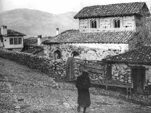 Μεγάλη συλλογή σπάνιων φωτογραφιών της Καστοριάς 100 χρόνια πριν