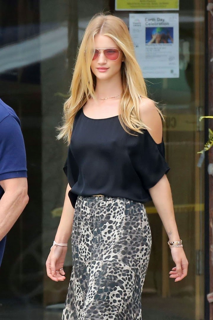 Rosie Huntington Whiteley Goes Braless In A Sheer Top And