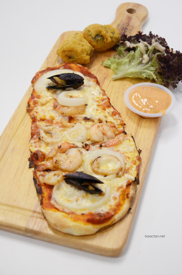 Crazy Seafood Pizza - RM14.80