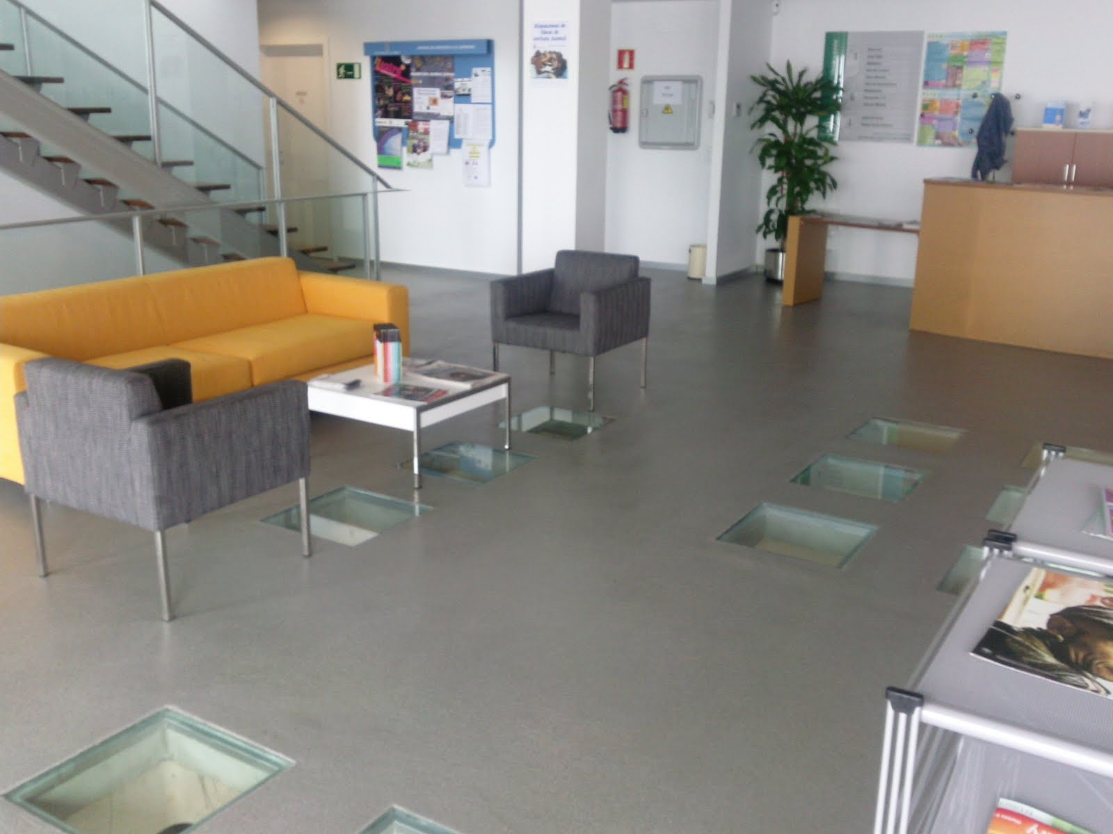 Pavimentos industriales resinas sevilla s l - Suelos de resina para exterior ...