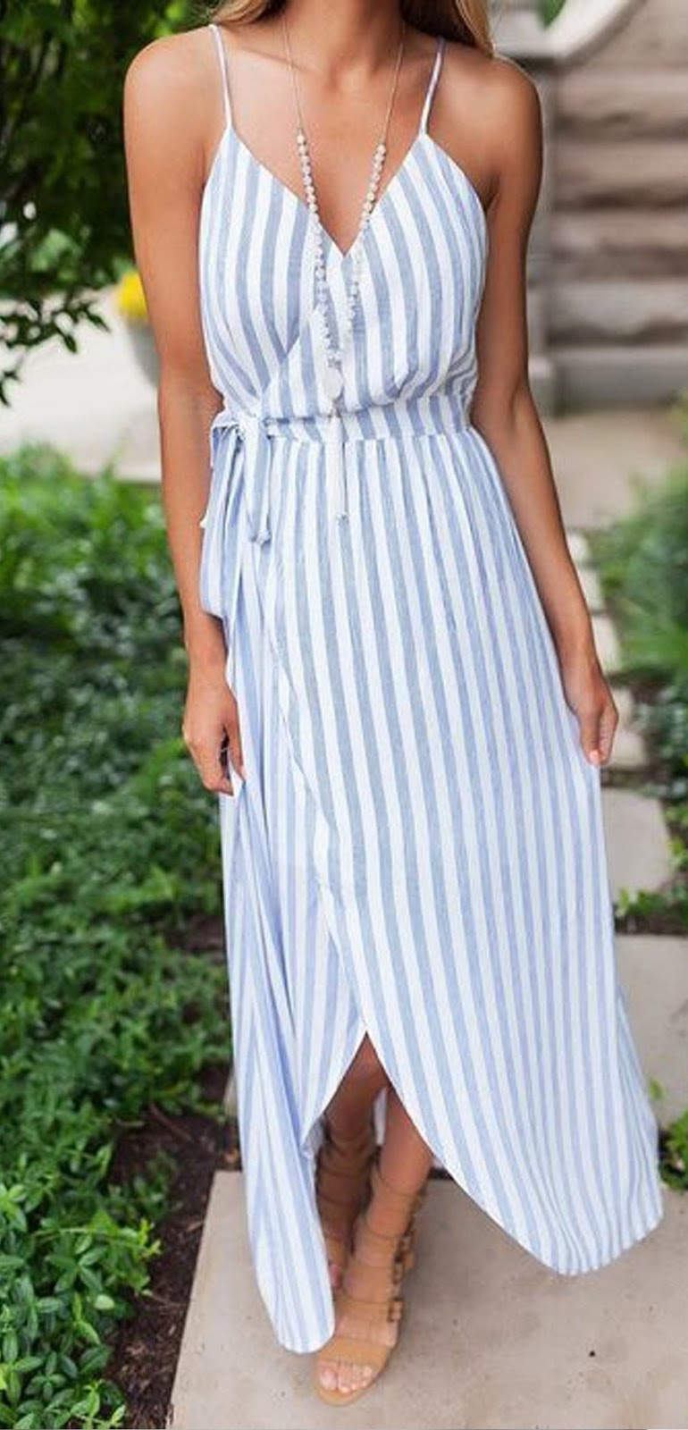 fashionable outfit_nude sandals + striped maxi dress
