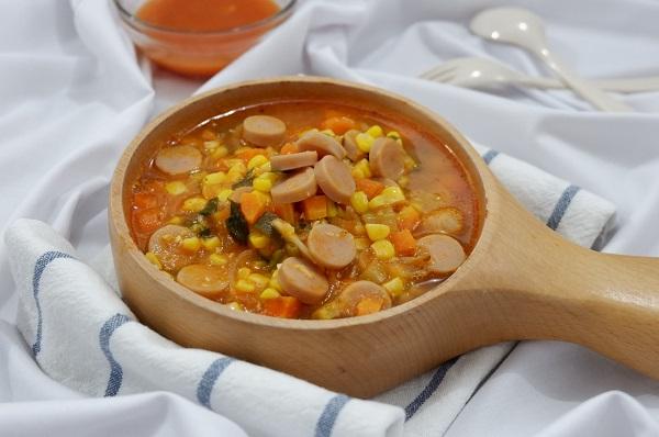 Cara memasak sup tomat sosis